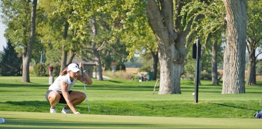 Bostar Leads Nebraska Women's Mid-Amateur by Four